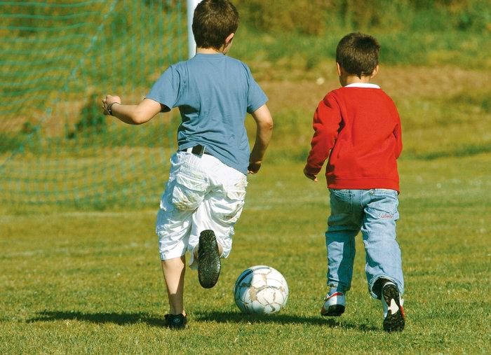 Fußballspielen