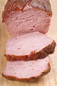 Abschnitt - Zwei Abschnitte von einem Fleischkäse