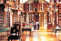 Bibliothek - Raum einer Bibliothek