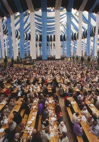 Bierzelt - Bierzelt auf dem Oktoberfest in Bayern