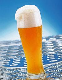 Blume - Bierglas mit einer Blume auf dem Bier