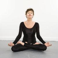 Bodysuit - Frau im Bodysuit (beim Yoga)
