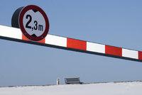 Durchfahrtshöhe - Eine maximale Durchfahrtshöhe von 2,3 m