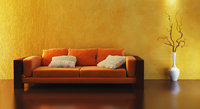Einrichtungsstück - Ein Sofa und eine Bodenvase als Einrichtungsstücke