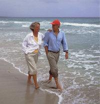 Erholung - Spaziergang am Meer zur Erholung