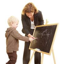 Erzieherin - Erzieherin mit Kind