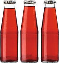 Flasche - Drei Flaschen mit einer roten Flüssigkeit