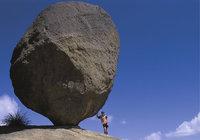 Form - Fels in Form einer Kugel