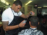Friseur - Friseur bei der Arbeit