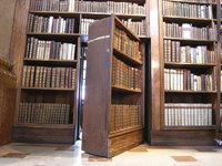 Geheimtür - Geheimtür in einer Bibliothek