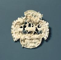 Gold - Brosche aus weißem Gold (Elfenbein)
