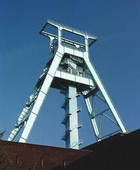 Grube - Förderturm einer Grube