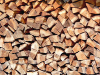 Haufen - Ein Haufen Brennholz