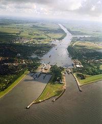 Kanal - Nord-Ostsee-Kanal in Schleswig Holstein