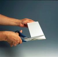 Karton - Durchschneiden eines Kartons