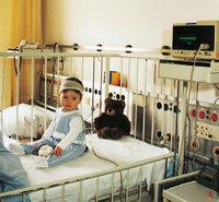 Klinik - Kind in einer Klinik