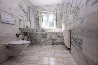 Klosett - Bad mit Klosett