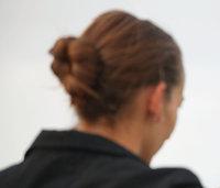 Knoten - Frau mit Knoten