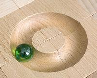 Kreisbahn - Kugel, die auf einer kreisförmigen Bahn läuft