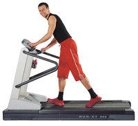 Laufband - Läufer auf einem Laufband