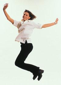 Luftsprung - Eine Frau macht einen Luftsprung