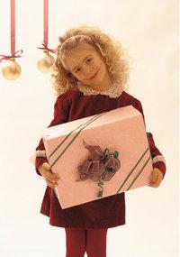 Mädchen - Ein Mädchen mit Geschenk