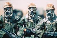 Maske - Soldaten mit Masken zum Schutz vor Gas
