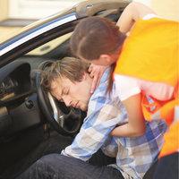 Opfer - Opfer eines Unfalls und Helferin