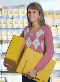 Päckchen - Frau mit drei Päckchen