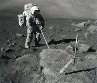 Sammlung - Sammlung von geologischen Proben auf dem Mond