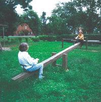 Schaukel - Erwachsener und Kind auf einer Schaukel