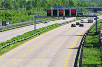 Schilderbrücke - Schilderbrücke über einer Autobahn