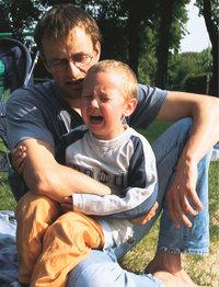 Schoß - Mann mit Kind auf dem Schoß