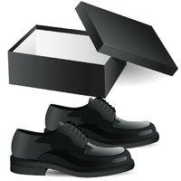 Schuhschachtel - Schuhschachtel und ein Paar Schuhe