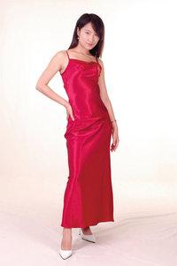 Seidenkleid - Frau in einem Seidenkleid