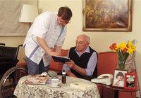 Senior - Senior und Pfleger