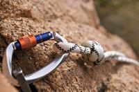 Sicherung - Karabiner und Seil als Sicherung beim Klettern