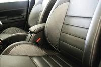 Sitz - Die beiden vorderen Sitze eines Autos