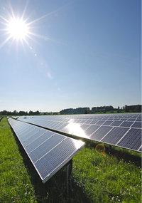 Solarenergie - Ein Solarzellenfeld zur Herstellung von Solarenergie
