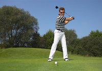Spiel - Golfer beim langen Spiel