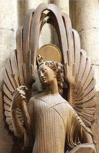 Symbolfigur - Engelsfigur mit Schwert, die Schutz symbolisiert