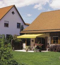 Terrasse - Terrasse mit gelber Markise darüber