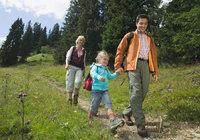 Wanderung - Familie bei einer Wanderung