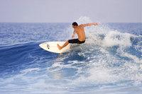Wassersportler - Ein Surfer als Beispiel für einen Wassersportler