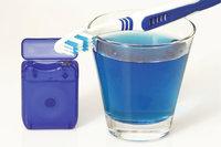 Zahnpflegemittel - Zahnseide, Zahnbürste und Mundwasser als Zahnpflegemittel